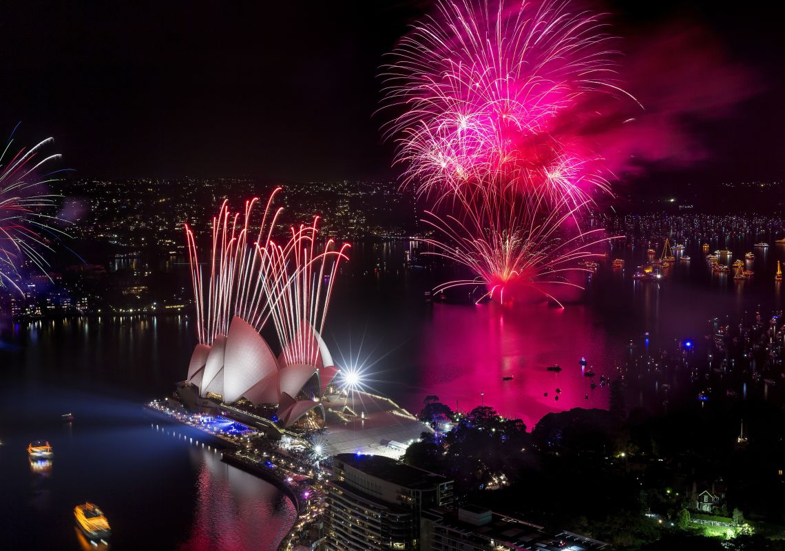 new year fireworks lighting up the sydney opera house australia