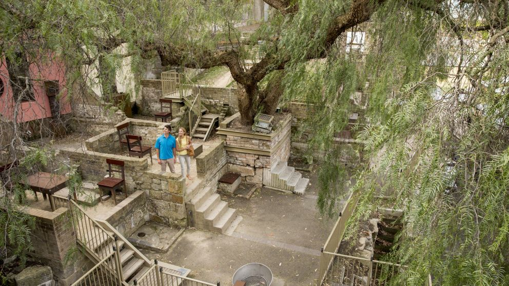 Couple exploring the historic back streets of The Rocks, Sydney