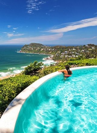 Jonah's infinity pool at Whale Beach
